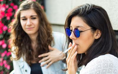 Secondhand smoke: Avoid dangers in the air